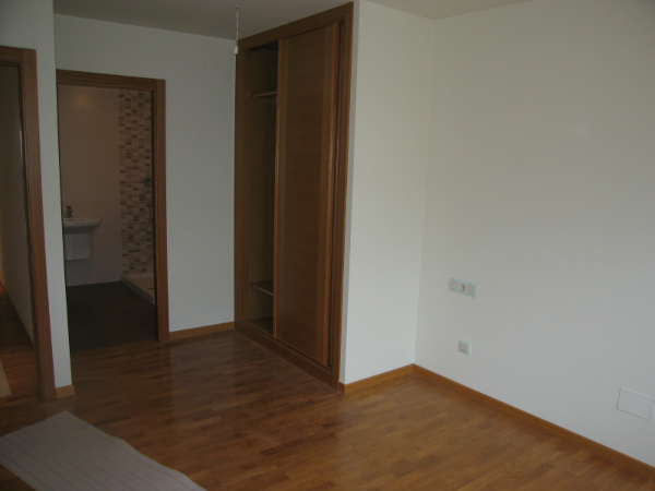 Piso no disponible en meicende en arteixo 686 for Dormitorio 11m2